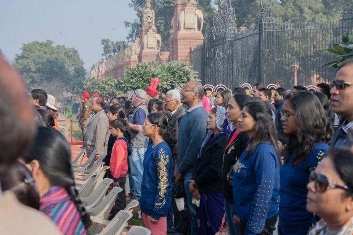 Үндістанда гимн орындалғанда орнынан тұрмаған адам қамауға алынады