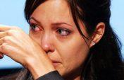 Джоли не смогла сдержать эмоции, впервые заговорив о разводе с Питтом (видео)