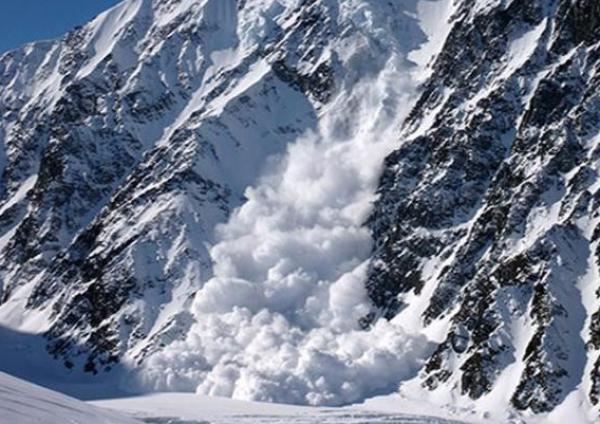 Алматы тауларында жасанды қар көшкіні жүргізілді