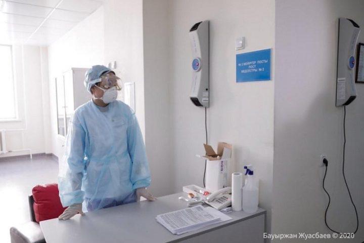 Шымкенттегі коронавирус жұқтырған әйел кешегі науқастың анасы болып шықты