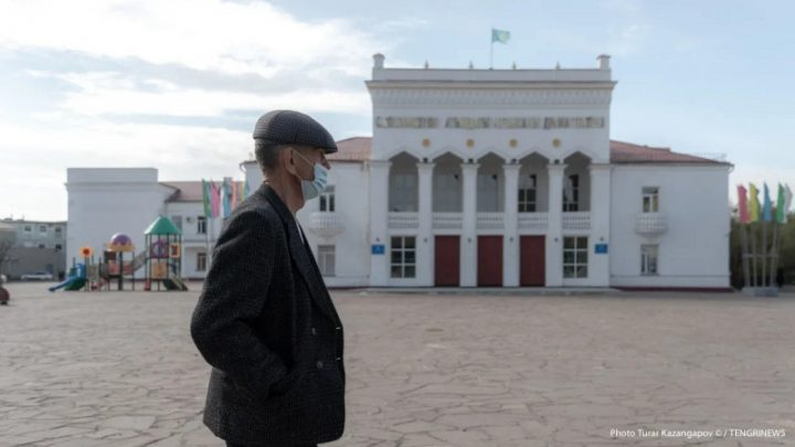 Павлодар облысында тұрғындарға қол алысып амандасуға тыйым салынды