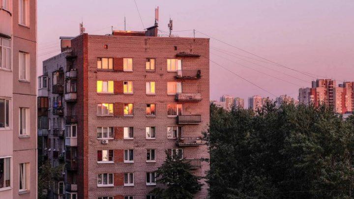 Алматылық әйел 10-қабаттан секіріп, мерт болды