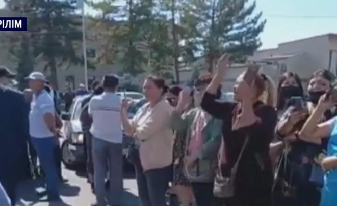 Меркіде саудагерлер әкімдікке қарсы аттандап шықты (Видео)