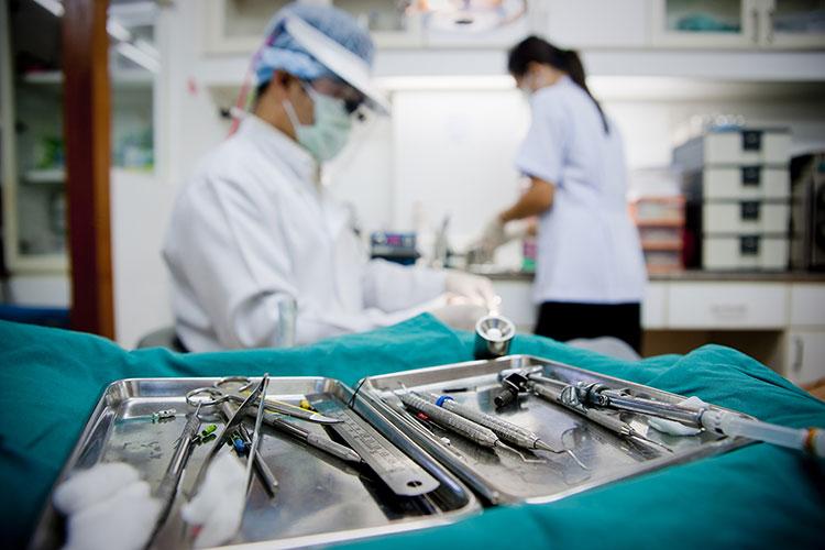 opytnyy-vrach-hirurg-v-glebovke_0